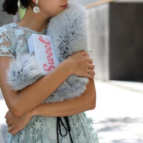 結婚式にはレンタルのロングドレスがおすすめ