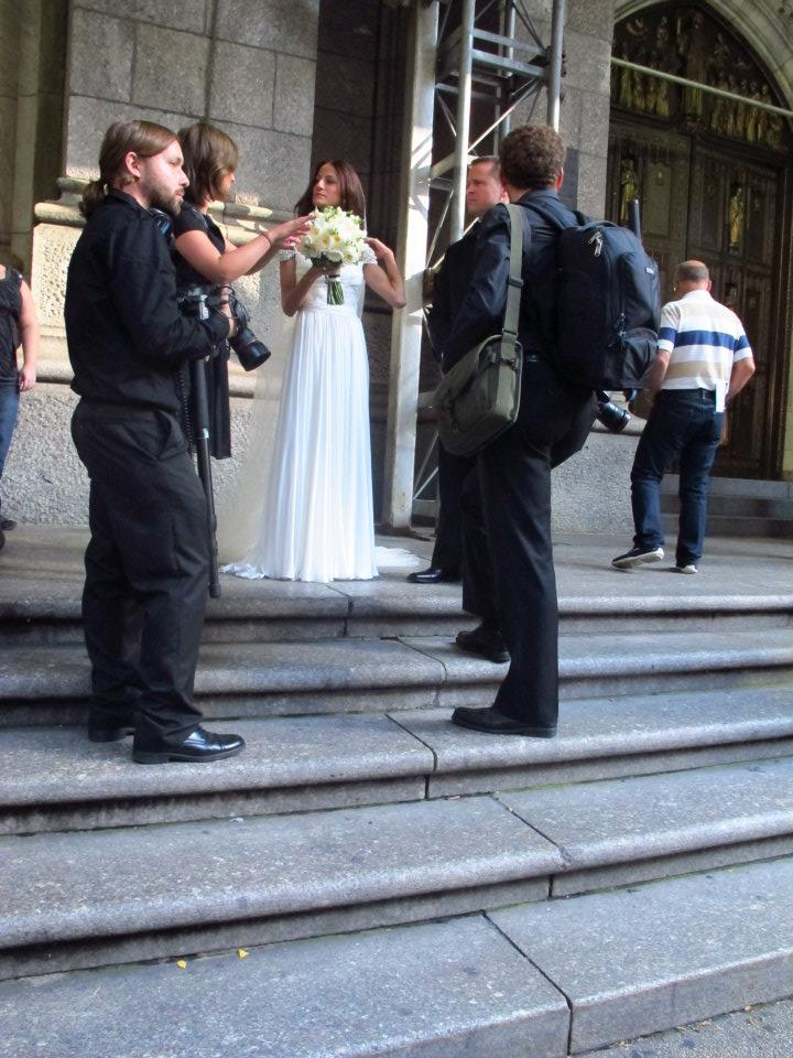 Reem Acraのウェディングドレスを着ている花嫁様
