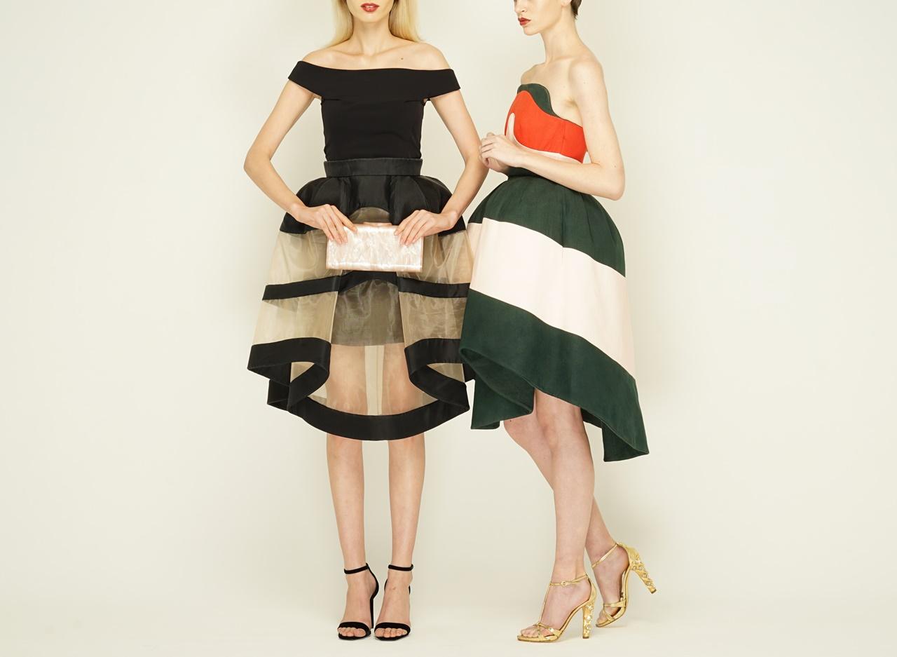 黒いオフショルダートップスと立体的なスカート 赤と緑の立体的なベアのパーティードレス