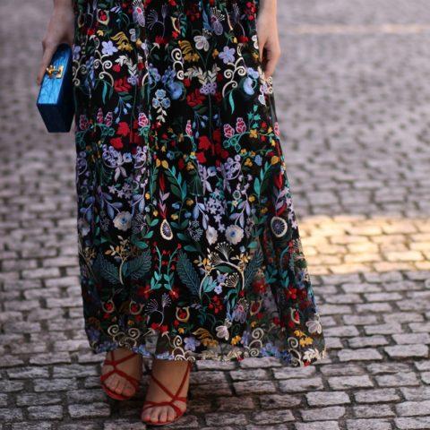 レンタルドレスはロングドレスが人気