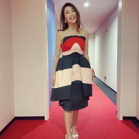 木嶋真優さんの第70回NHK紅白歌合戦の衣装