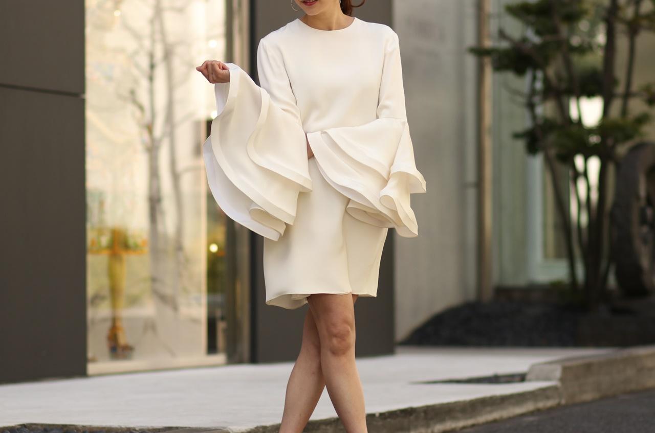 フォトウェディングにおすすめなオシャレなドレスはHoughton(ホートン)のミニ丈のウェディングドレス