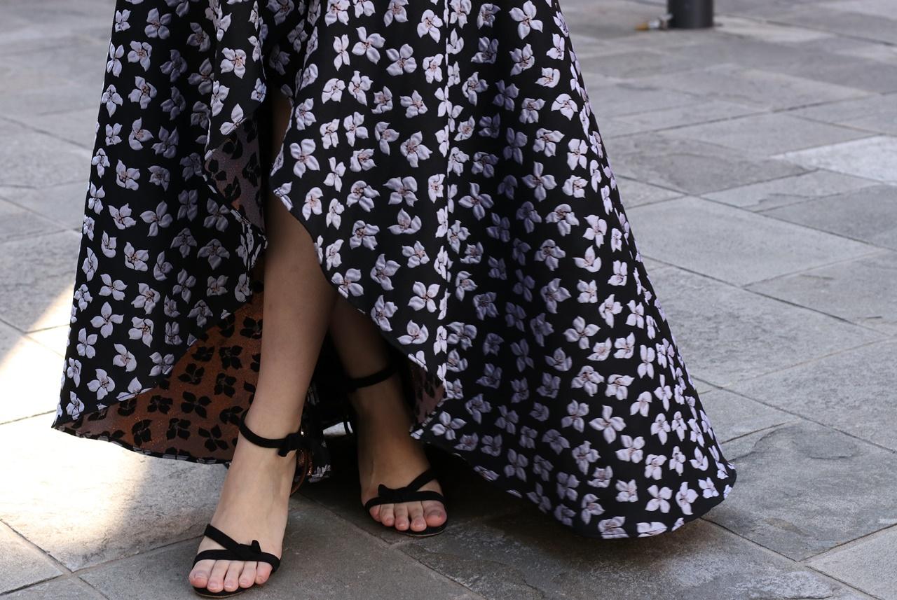 ドレスのサブスクにはジャガードの小花模様のML Monique Lhuillier(エムエル・モニーク・ルイリエ)のドレスがおすすめ